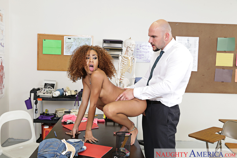 211df3 naughtyamerica 2017-01-26 Naughty Bookworms