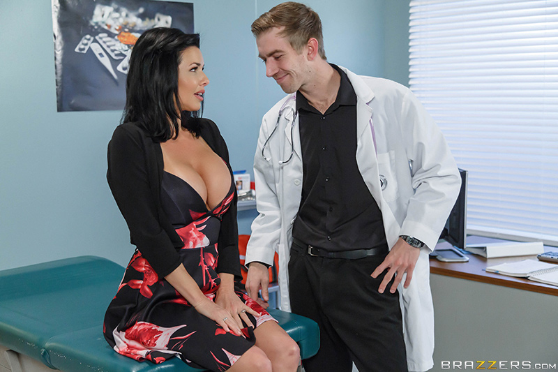 26484a brazzers 2017-01-29 Mom Visits Doc