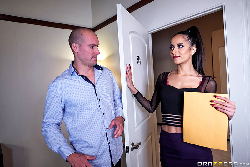 [brazzers]2017-02-07 Slut Hotel: Part 1