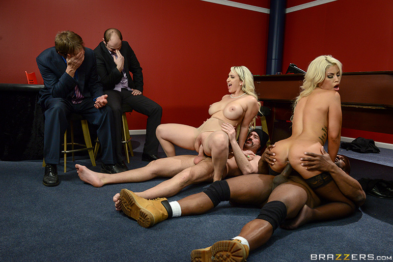 242473 brazzers 2017-02-21 Blowing On Some Other Guy Dice
