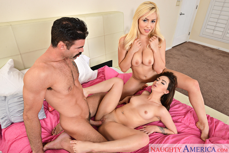 2a7ef8 naughtyamerica 2017-05-05 2 Chicks Same Time