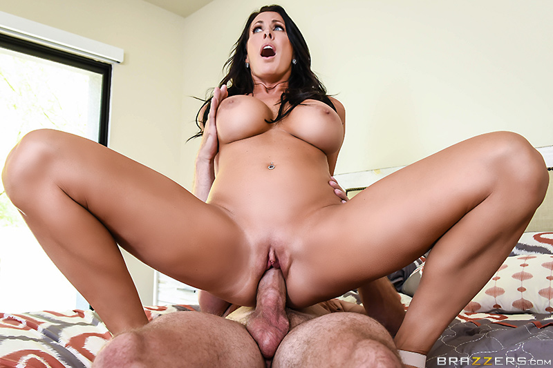 brazzers 2017-06-17 Shy Mom First Squirt 23e734